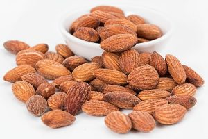 almond to improve your diet