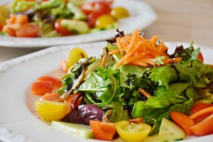 salad for ketogenic diet or low fat diet